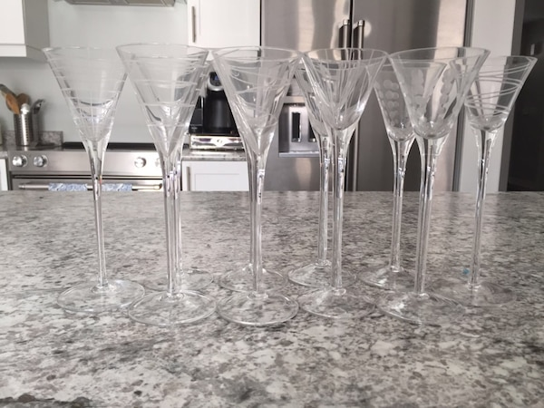 10 tall fancy glasses 245f6cda-a831-4471-aca2-0c757c3bcbd8