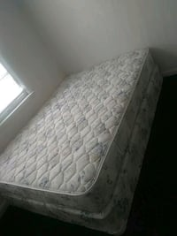 quilted white and gray floral mattress Oklahoma City, 73109