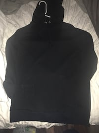 H&m hoodie size large. It's a men's but I wore it. Corpus Christi, 78412