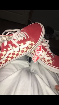 red and white Vans low top sneakers Indianapolis, 46203