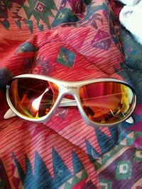 white-framed wayfarer sunglasses Colorado Springs, 80915