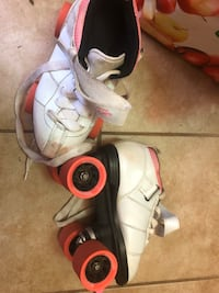 Kid roller skates size 5 pick up only Staten Island