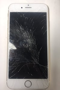 iPhone 6s Gold ( screen cracked)