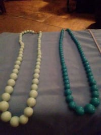 green and white beaded necklace Akron, 44314