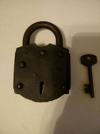 Vintage pad lock with skeleton key Pittsburgh, 15217