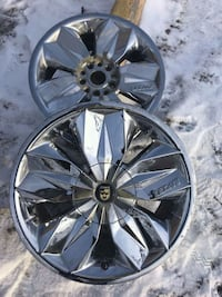 chrome multi-spoke car wheel Edmonton, T5H 0N1