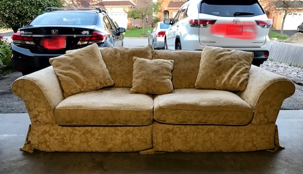 Used Pet And Smoke Free 3 Seat Couch Good Condition For