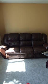 Set of leather sofa and chair  Kelowna, V1W 1G1