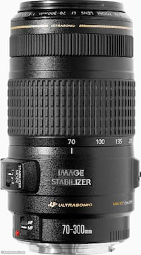 Canon 70-300mm f4-5.6 IS USM telephoto lens 536 km