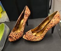 BRAND NEW NINE WEST PEEP TOE PUMPS WITH 2.5 INCH HEEL, SIZE 8.5 $35  Montreal, QC, Canada