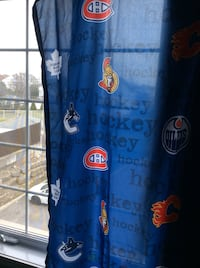 2 kids windows curtains 103cms /160cm and 2 pillow cases. Almost new Laval, H7X 3M8