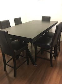 Really nice but tall table Mississauga, L4W 3T5