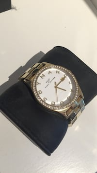 Marc By Marc Jacobs gull klokke