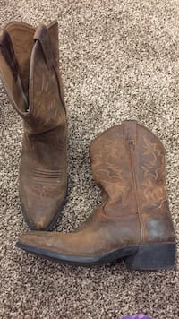 ARIAT cowboy boots size 3 youth  Calgary, T1Y 5T7