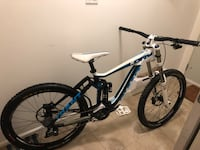 2013 dh giant glory in excellent condition Surrey, V4N