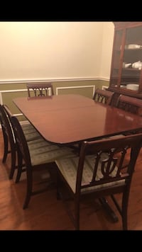 Duncan Phyfe style table and 6 chairs Houston, 77040