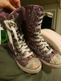 pair of multicolored high-top sneakers Saanichton, V8M 1W3