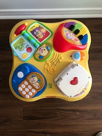 Fisher-Price laugh and learn learning table  Oshawa, L1K 0E4