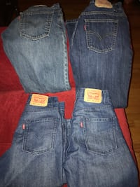 4 pair boys levis size 14