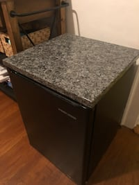 Granite top Black and Decker mini fridge  Shrewsbury, 01545