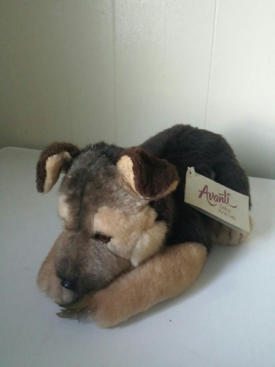 Photo Vintage Avanti Plush German Shepherds