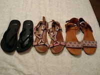 3 pairs of sandals size 4 in girls  West Valley City