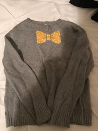 Girls old navy gray sweater with yellow bow tie Fredericksburg, 22408