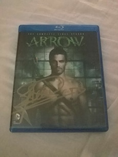 Season 1 of arrow signed by Stephen amell