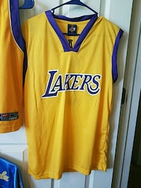 LA Lakers mens medium