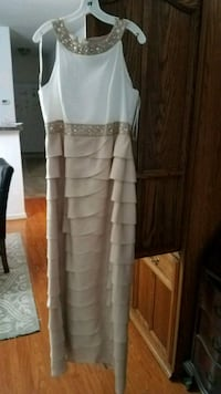 Size 14 Floor Length, Formal/Evening/Prom/Bridesmaid Gown Chantilly, 20151