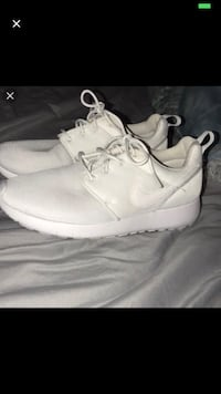 Nike Roshes WHITE Vaughan, L4L 3N4