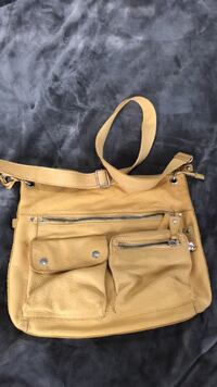 Fossil crossbody purse. Great for traveling. Non smoking home   Ringgold, 30736