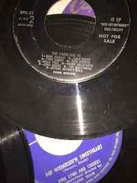 Records vinyl 45RPM's.  All 25 from 1950's vintage.  Great labels!   Apple Valley, 55124
