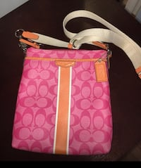 Authentic Coach Crossbody purse. $70 -  Brampton, L6R