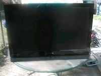 42 inch Insignia TV with remote and Samsung DVD pl Washington