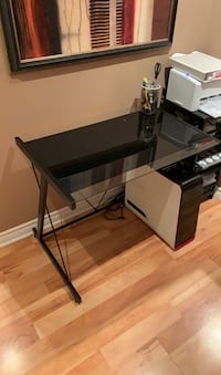 Metal/glass desk  Hamilton, L0R 1C0