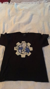 Fallout vault boy tee-youth L Hanover, 17331