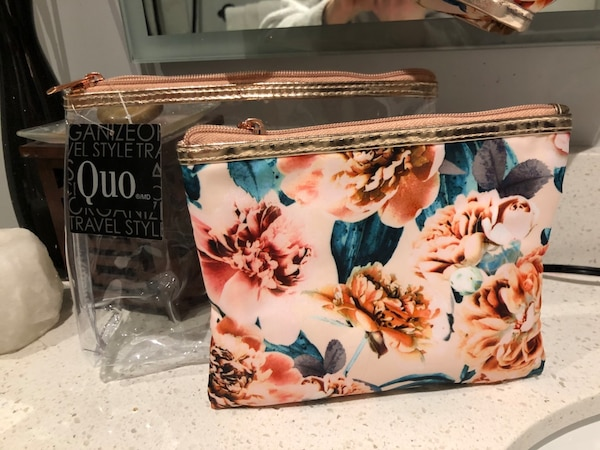 Quo 3 piece Travel Bags New with Tags 74ae1a0b-8606-4fc5-8658-7e8dcd2cbba1