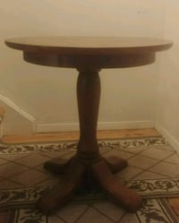 ***PRICE SLASHED*** Pottery Barn End Tables!!! Greenwich, 06830