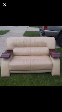 Beautiful couch!