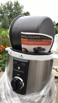 Black and gray Wolfgang puck slow cooker Toronto, M8Y 1N7