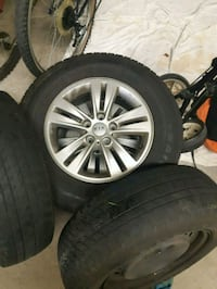 """2 Kia 17"""" alloys, 2 steel 17"""" and a 17""""new donut Mississauga, L5N 3P2"""