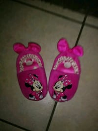 pair of pink Minnie Mouse flip flops Fresno, 93701