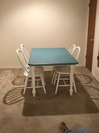 Rectangular white wooden table with four chairs Memphis, 38016