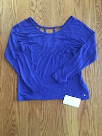 NWT Fabletics Top Size L Fairfax, 22035