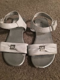 pair of gray leather sandals Dumfries, 22026