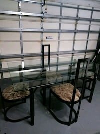 Glass top dinner table and 4 chairs Riverview, 33579