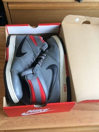 NIKE sneakers  Lawrence Township, 08648