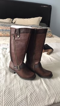 Brown leather boots Potomac, 20854