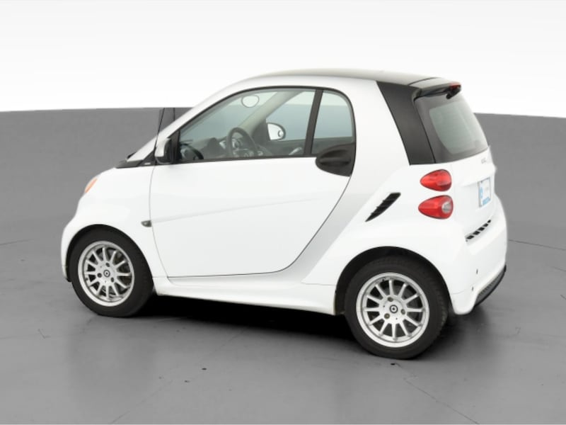 2013 smart fortwo coupe Pure Hatchback Coupe 2D White  a3067a5b-9a7b-4260-b213-71cf543c9967